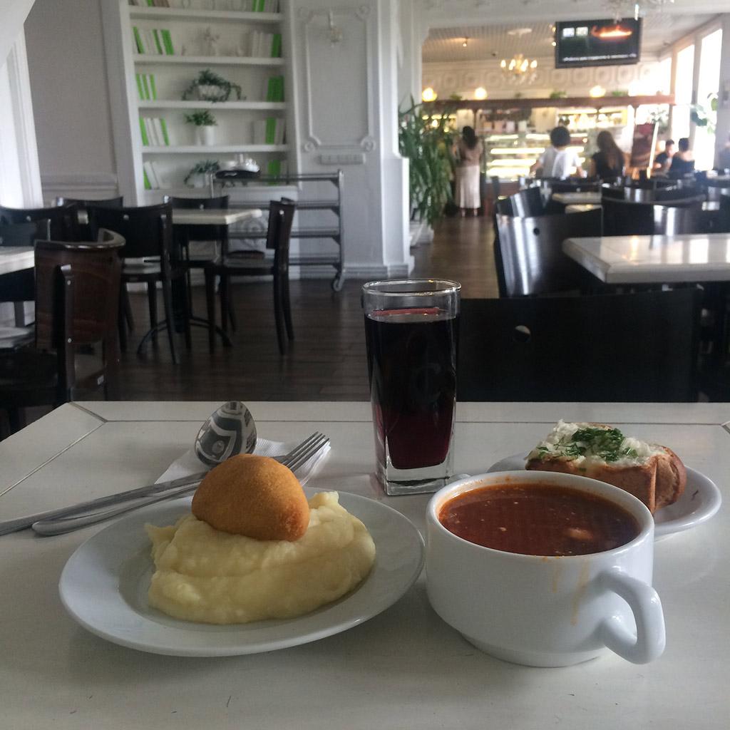 Ukrainian national cuisine, Kiev restaurant. MeetnGreetMe