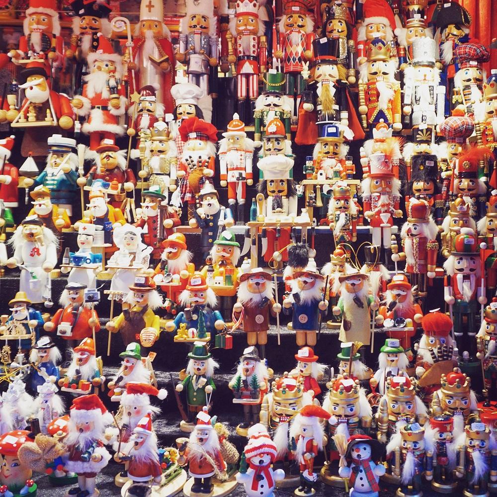 Aachen Christmas travel blogger