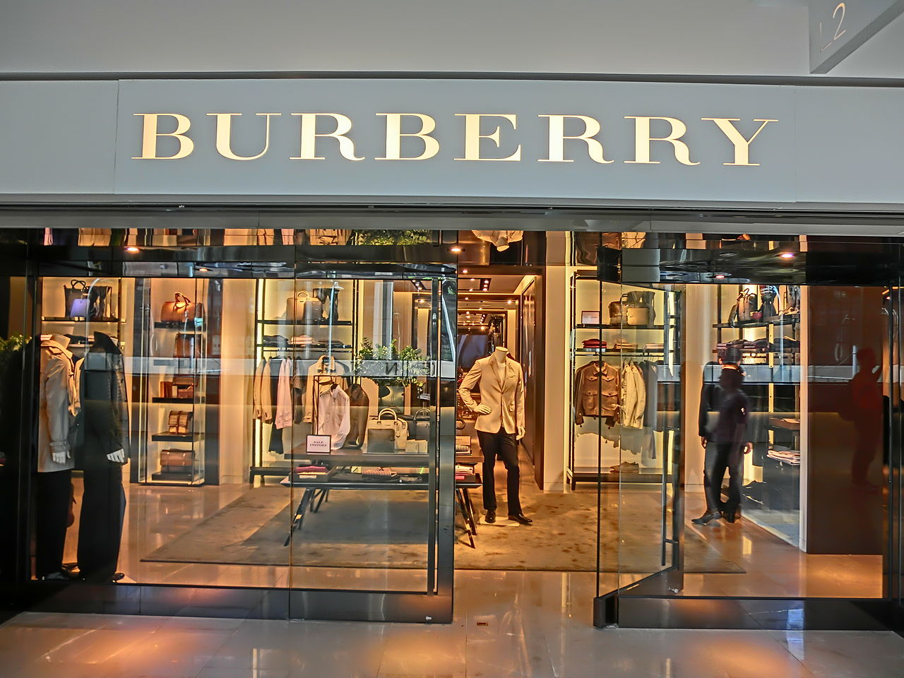 HK_Central_Pacific_Place_shop_Burberry_clothing_4-June-2013
