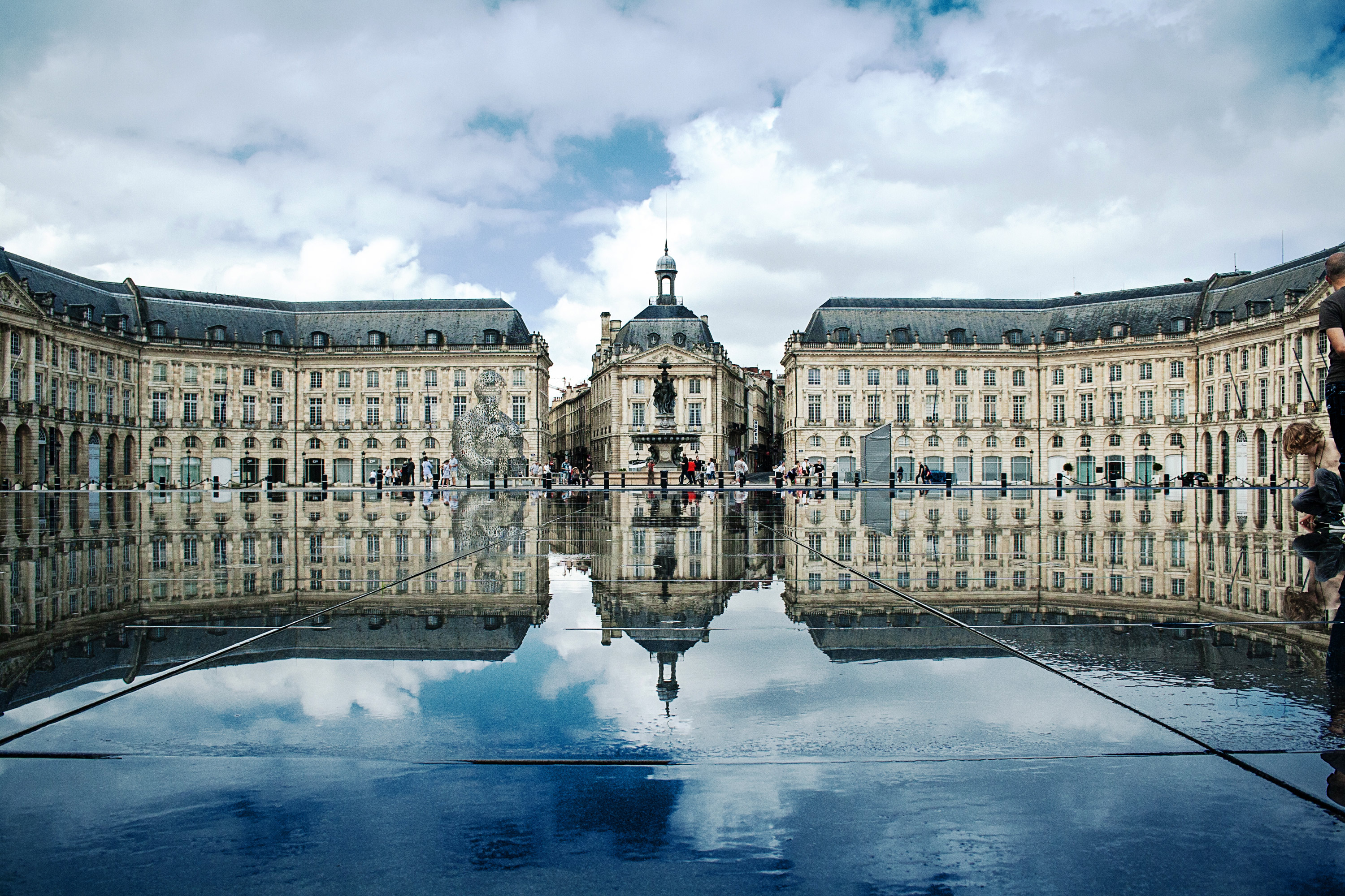 place-de-la-bourse,-bordeaux,-france-