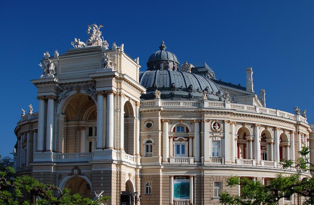 odessa ukraine travel guide opera theatre