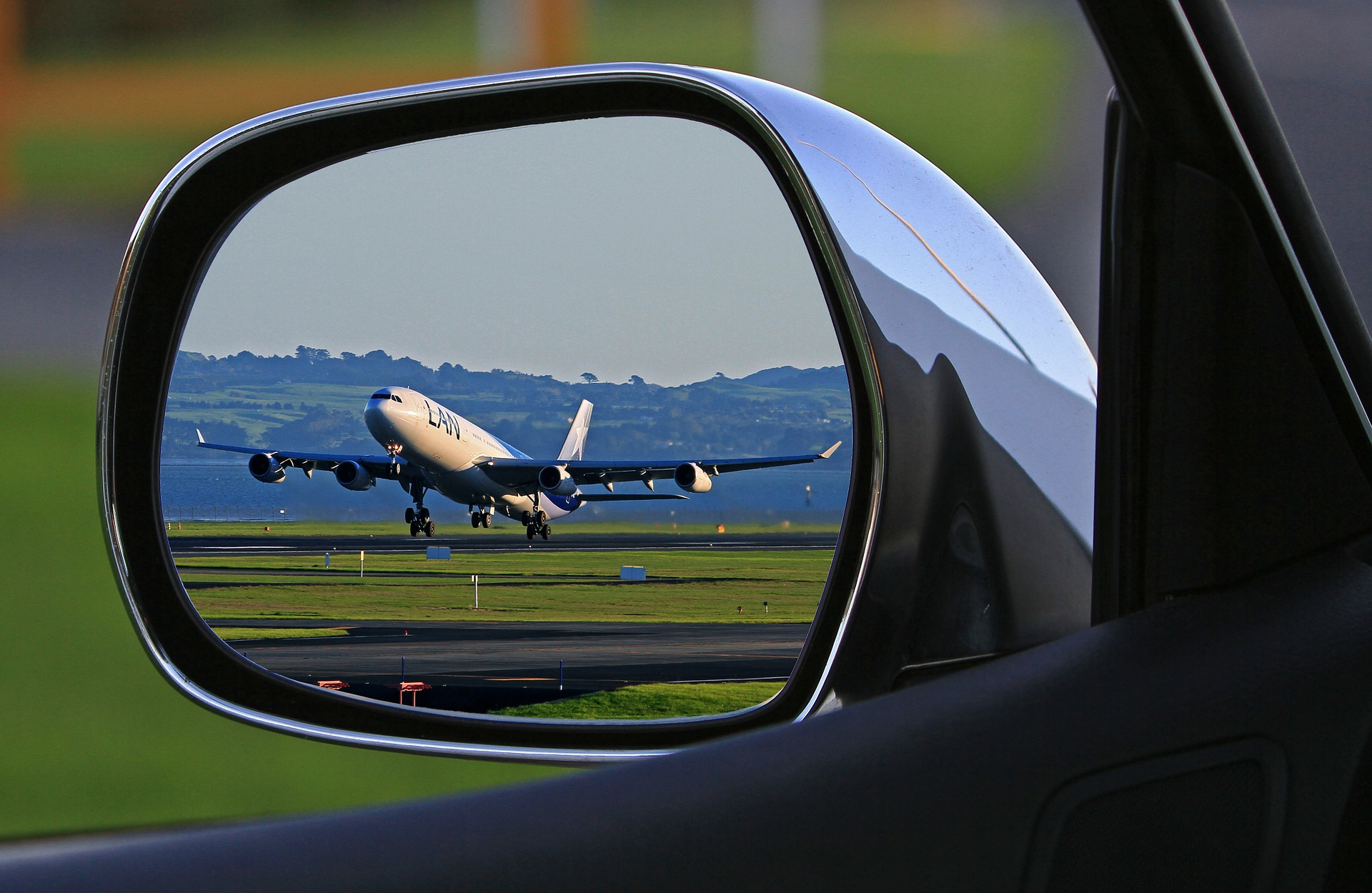 airport travel guide