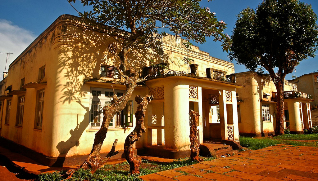 jinja uganda homes travel guide