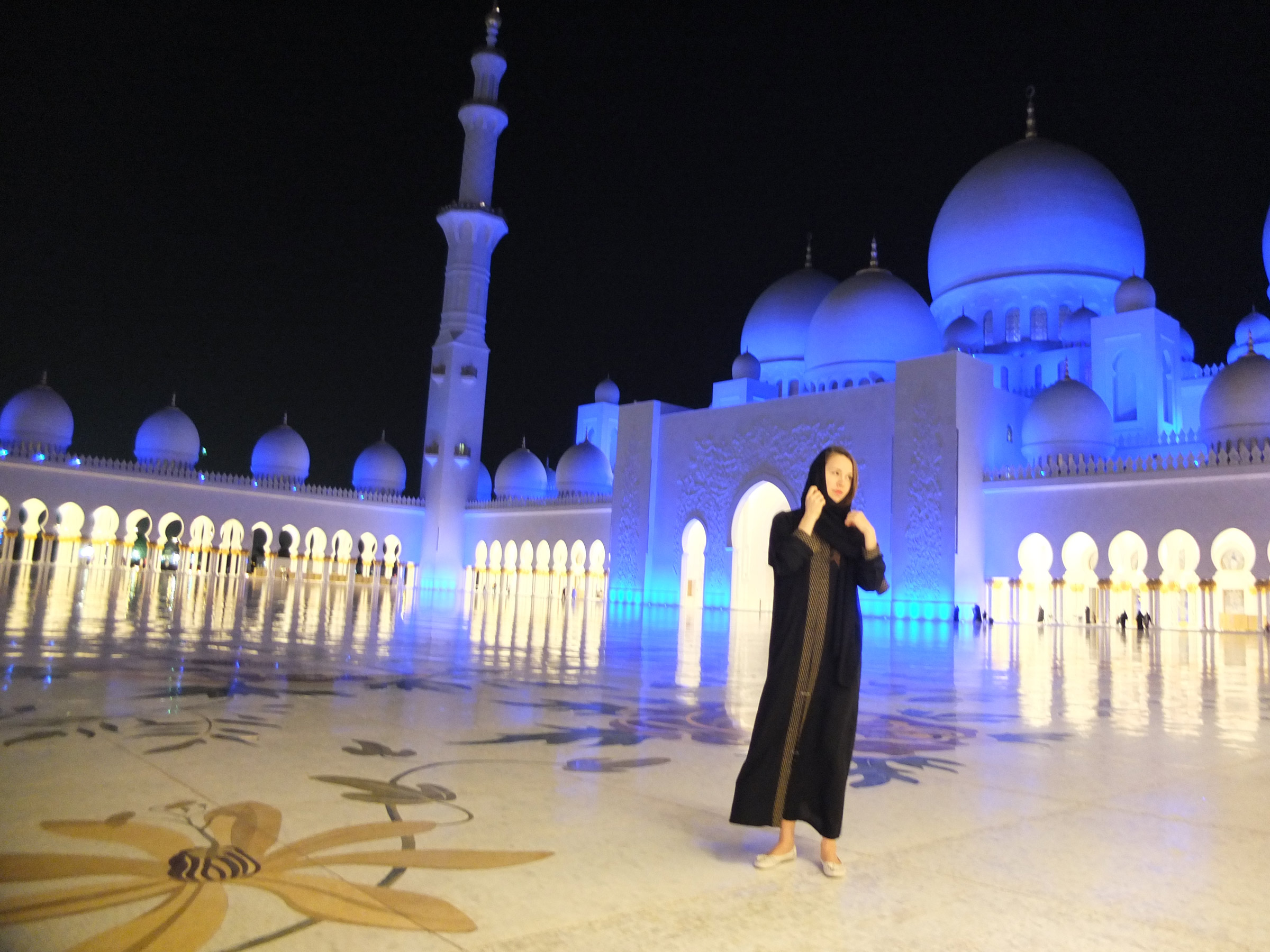 female solo travel in dubai UAE