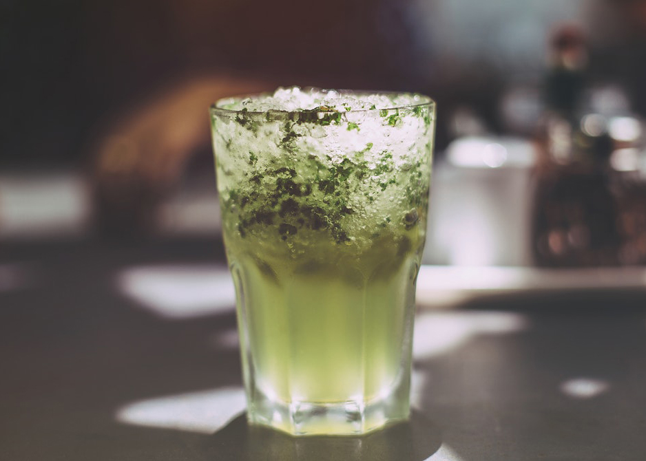 Bar, coctails, green, glasses, travel,